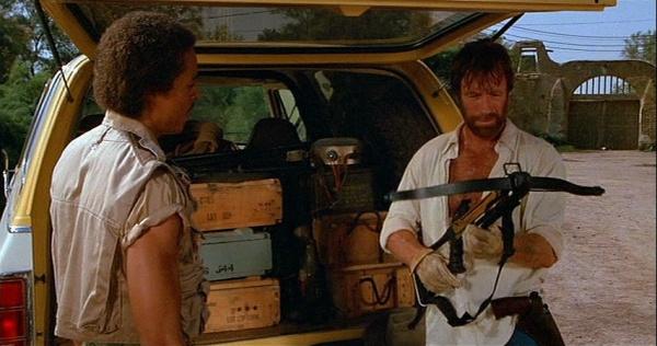 Chuck Norris as JJ McQuade, Photo: Photo Internet Firearms Movie Database